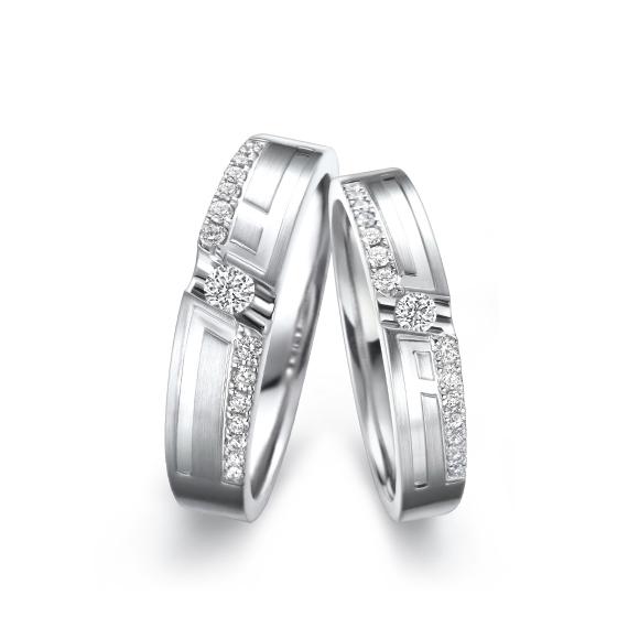 愛恆久系列18K金鑽石情侶對戒