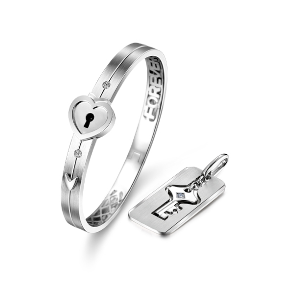 愛恆久系列「心鎖」18K金鑽石手鐲/吊墜情侶套裝