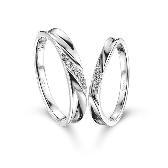 愛恆久系列18K白色黃金鑽石情侶對戒