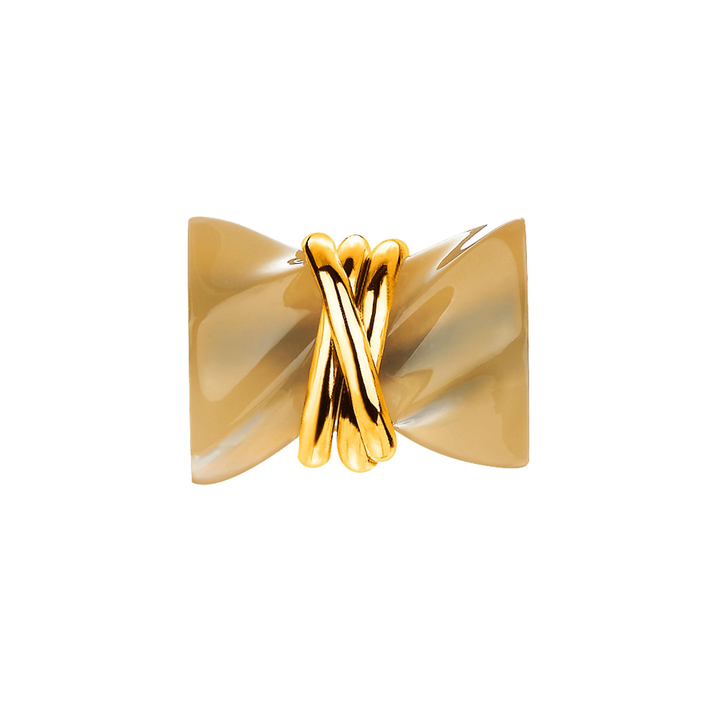 「六福齐来」黄金衬半宝石坠饰-财运