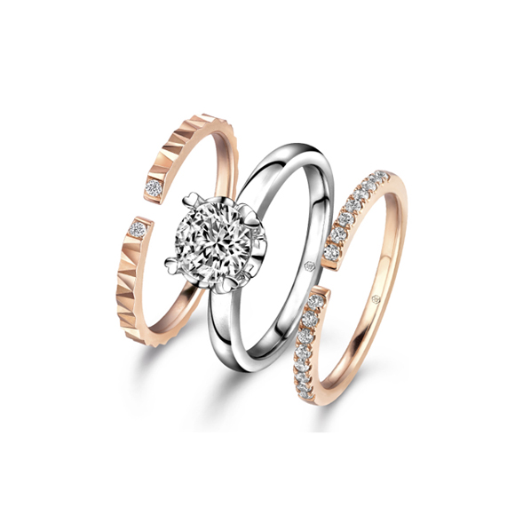 爱很美系列18K金钻石套装戒指